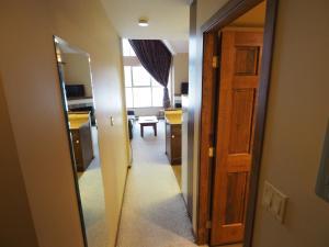 Apex Mountain Inn Suite 401-402 Condo, Apartmanok  Apex Mountain - big - 26