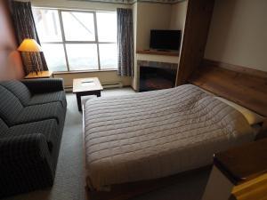 Apex Mountain Inn Suite 211-212 Condo, Апартаменты  Apex Mountain - big - 7