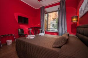 Double or Twin Room in Via Catone