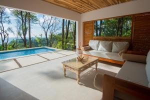 Villa Makai Santa Teresa, Case vacanze  Santa Teresa Beach - big - 1
