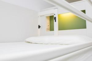 Bed in 10-Bed Mixed Dormitory Room with Private Bathroom