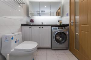 Henry's Apartment - South Maoming Road, Apartments  Shanghai - big - 9