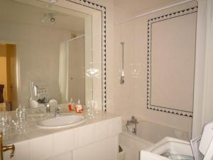 B9427 - T2 AVEC PISCINE & PARKING - BIARRITZ GARE DU MIDI, Apartmány  Biarritz - big - 12