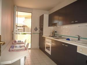 B9427 - T2 AVEC PISCINE & PARKING - BIARRITZ GARE DU MIDI, Apartmány  Biarritz - big - 11