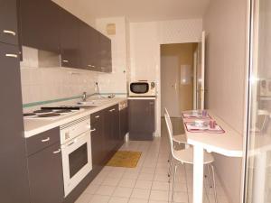B9427 - T2 AVEC PISCINE & PARKING - BIARRITZ GARE DU MIDI, Apartmány  Biarritz - big - 6