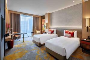 Luxury Twin Bed Room