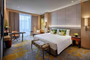 Luxury King Bed Room with Club Access