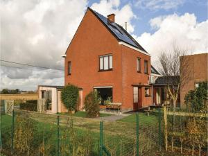 Four-Bedroom Holiday Home in Diksmuide, Дома для отпуска  Диксмёйде - big - 5