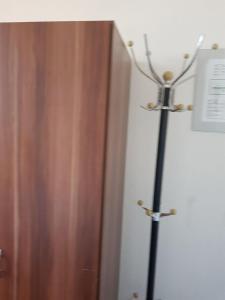 Enkeltværelse med delt badeværelse