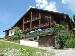 Garni Ingrid, Bed and Breakfasts  Dobbiaco - big - 34