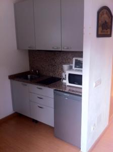 Aparthotel Arenal, Residence  Pals - big - 3