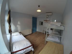 Habitación Individual Económica con baño compartido