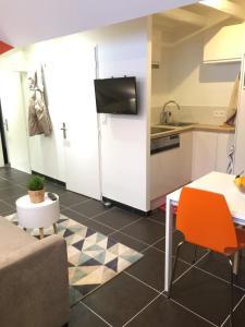 The Lodge - Chambéry Centre et Gare, Апартаменты  Шамбери - big - 48