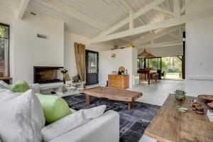 Magnifique villa avec piscine au Cap Feret, Dovolenkové domy  Cap-Ferret - big - 15