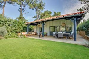 Magnifique villa avec piscine au Cap Feret, Dovolenkové domy  Cap-Ferret - big - 22