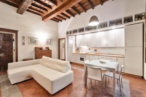 Palazzo Di Città Elegant Apartment - AbcAlberghi.com