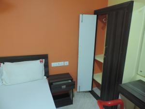 KR Accommodation, Inns  Chennai - big - 6