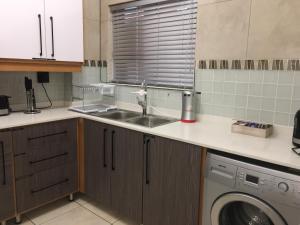 AYA LUXURY APARTMENTS 78, Apartmány  Durban - big - 17