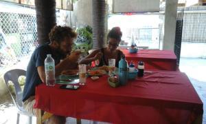 Guanna's Place Room and Resto Bar, Inns  Malapascua Island - big - 82