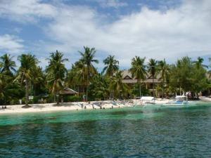 Guanna's Place Room and Resto Bar, Inns  Malapascua Island - big - 67