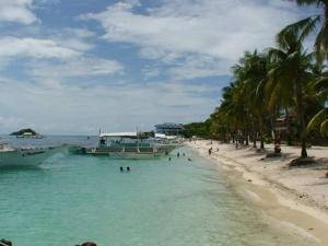 Guanna's Place Room and Resto Bar, Inns  Malapascua Island - big - 70