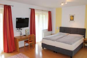 Hotel Sonne, Szállodák  Niederau - big - 25