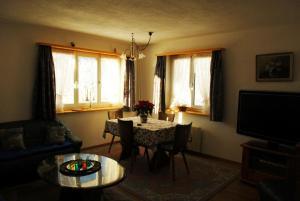 Ferienwohnung, Apartmanok  Klosters Serneus - big - 9