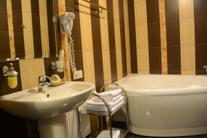 Leibova Gora, Bed and breakfasts  Zhuraky - big - 4