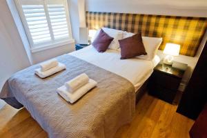 Three-Bedroom Apartment - Cranston Street