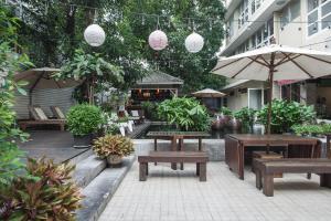 Feung Nakorn Balcony Rooms and Cafe, Hotels  Bangkok - big - 92