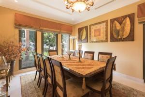 Yanjoon Holiday Homes - Palm Jumeirah Frond A Villas
