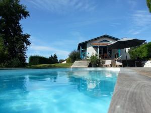 Cottage avec piscine sur la route des vignobles, Dovolenkové domy  Artigues-près-Bordeaux - big - 21