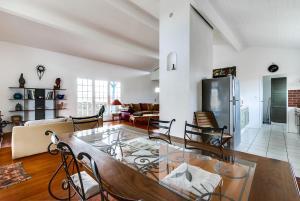 Cottage avec piscine sur la route des vignobles, Dovolenkové domy  Artigues-près-Bordeaux - big - 16