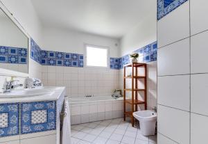 Cottage avec piscine sur la route des vignobles, Dovolenkové domy  Artigues-près-Bordeaux - big - 2