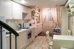 2 floor Apartment on Polyarnaya 31A