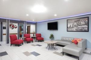Super 8 Claremore, Motels  Claremore - big - 14