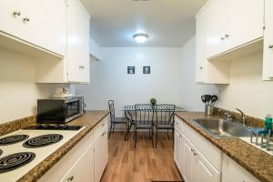 4321#2 · Clean, Luxe & Spacious 1B1B Biz/Intern Travel, Apartmány  Mountain View - big - 2
