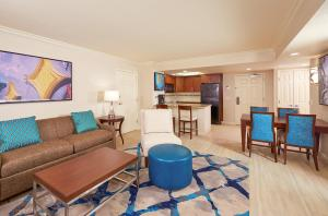 Hilton Grand Vacations Suites ..