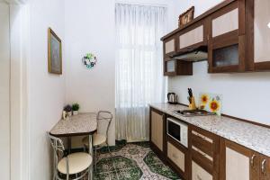 Apartments on Teatralna 26, Apartments  Lviv - big - 8