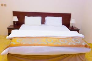 Madar Suites, Apartmanhotelek  Yanbu - big - 6