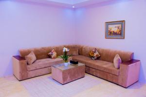 Madar Suites, Apartmanhotelek  Yanbu - big - 7