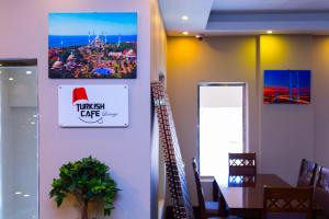 Madar Suites, Apartmanhotelek  Yanbu - big - 19