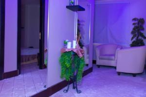 Madar Suites, Apartmanhotelek  Yanbu - big - 15