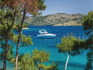 Two-Bedroom Holiday Home in Kornati, Case vacanze  Pristanišće - big - 5