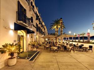 Hotel Pine, Отели  Тиват - big - 41