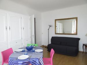 T2 FACE A L'OCEAN, Apartmány  Biarritz - big - 5