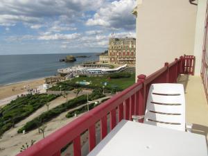 T2 FACE A L'OCEAN, Apartmány  Biarritz - big - 6