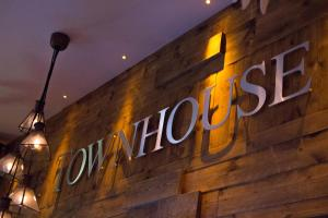 The Townhouse Bar, Kitchen and Rooms
