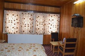 Hotel Affarwat, Hotel  Gulmarg - big - 17