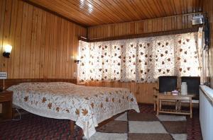 Hotel Affarwat, Hotel  Gulmarg - big - 11